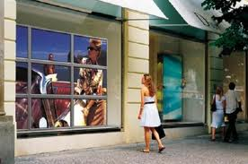 Digital Signage Solutions for Specialty Retailers